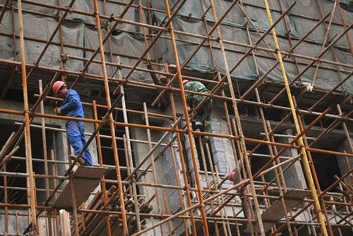 Vesti bune pentru constructori, afacerile lor vor creste in continuare